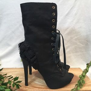 Betsey Johnson Lizzzy Booties